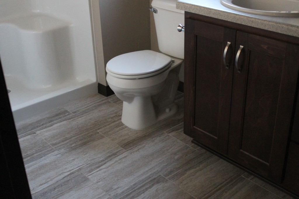 lvt in pine with office