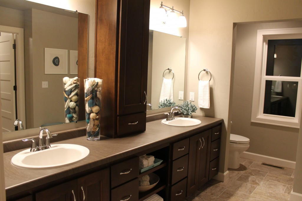 MO bathroom