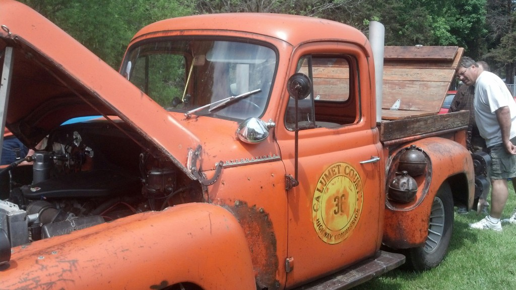 Logo on old tow truck