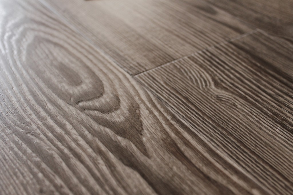 hroton lvt wood2