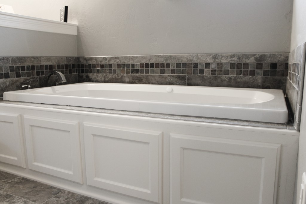 wood tub front lytle