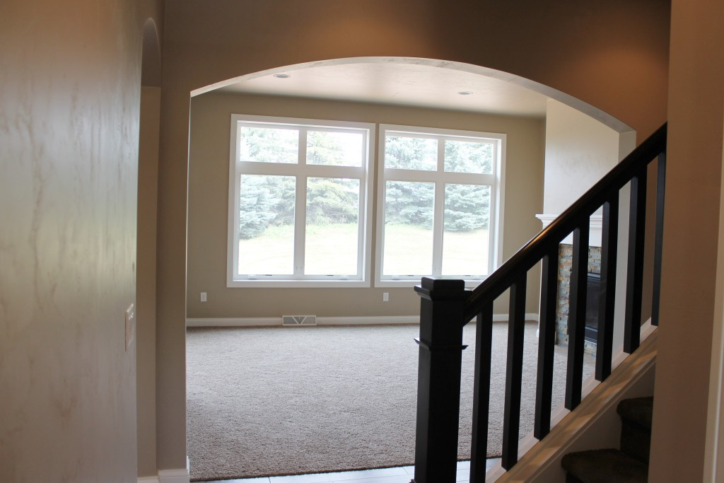 Meyer arch into living room