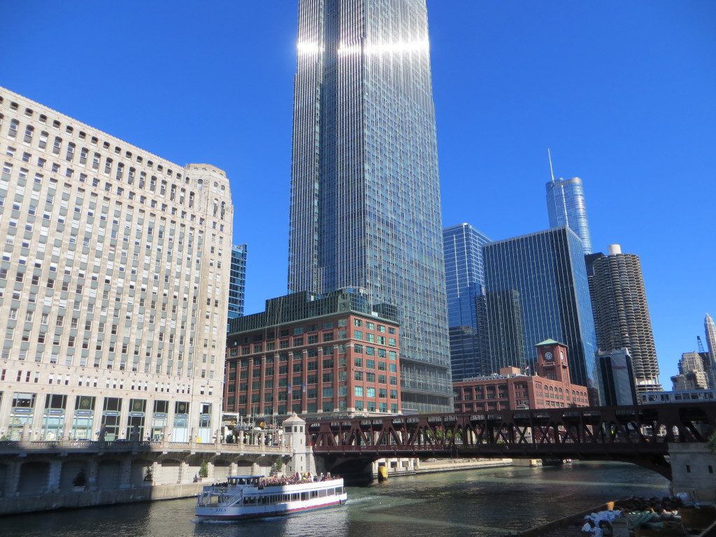 waterway with skyline chicago 2014