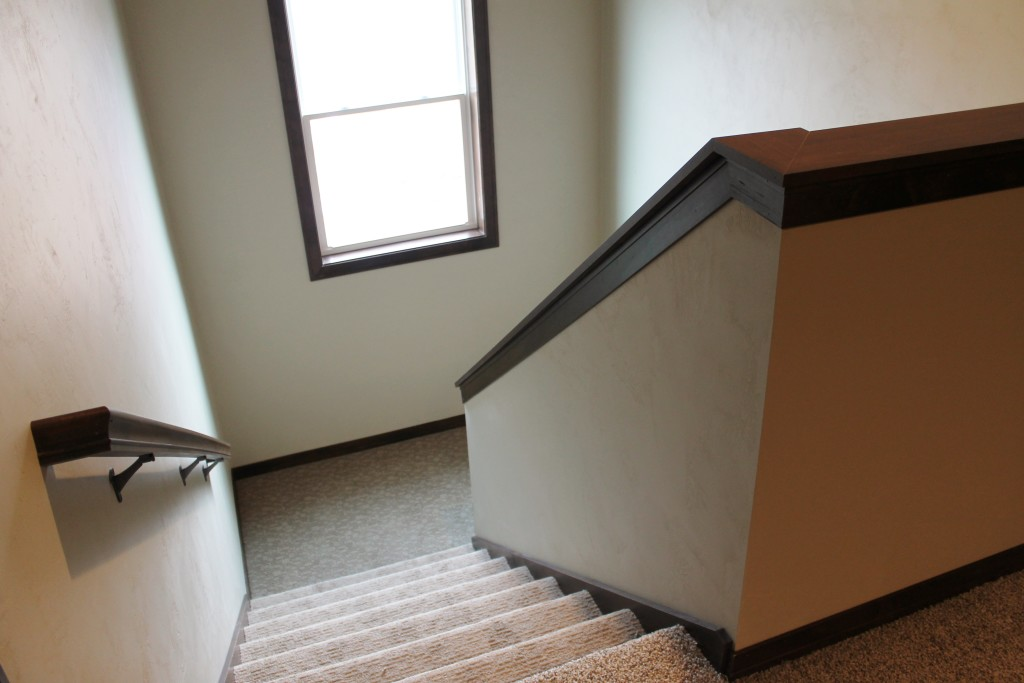 #5324 Kohl Drive stairs