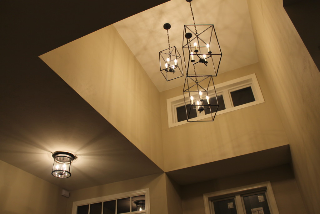 Foyer Chandelier Modern : Newest trends for today s farmhouse look katie jane