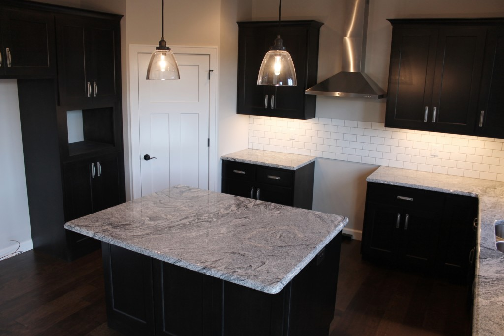 5334 kitchen with square island
