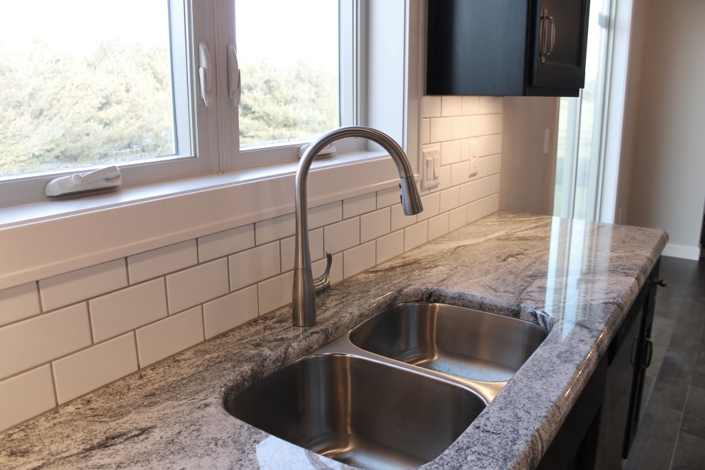 5334 kitchen with stainless sink