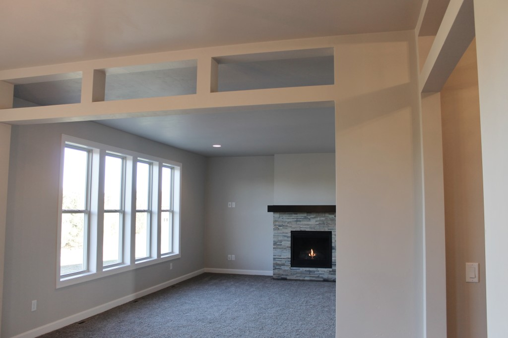 5334 living room with open transom detail