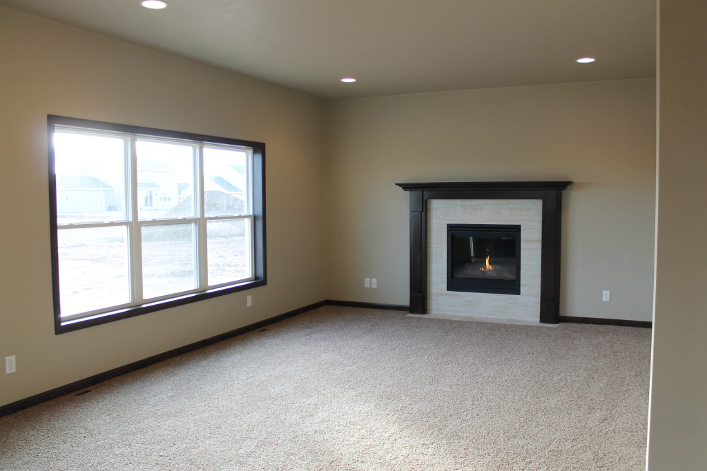 5335 fireplace on center wall in living room (2)