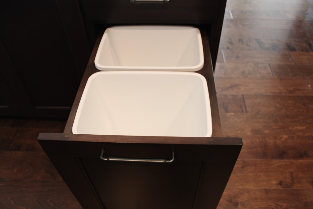 5337 kitchen pullout garbage cans