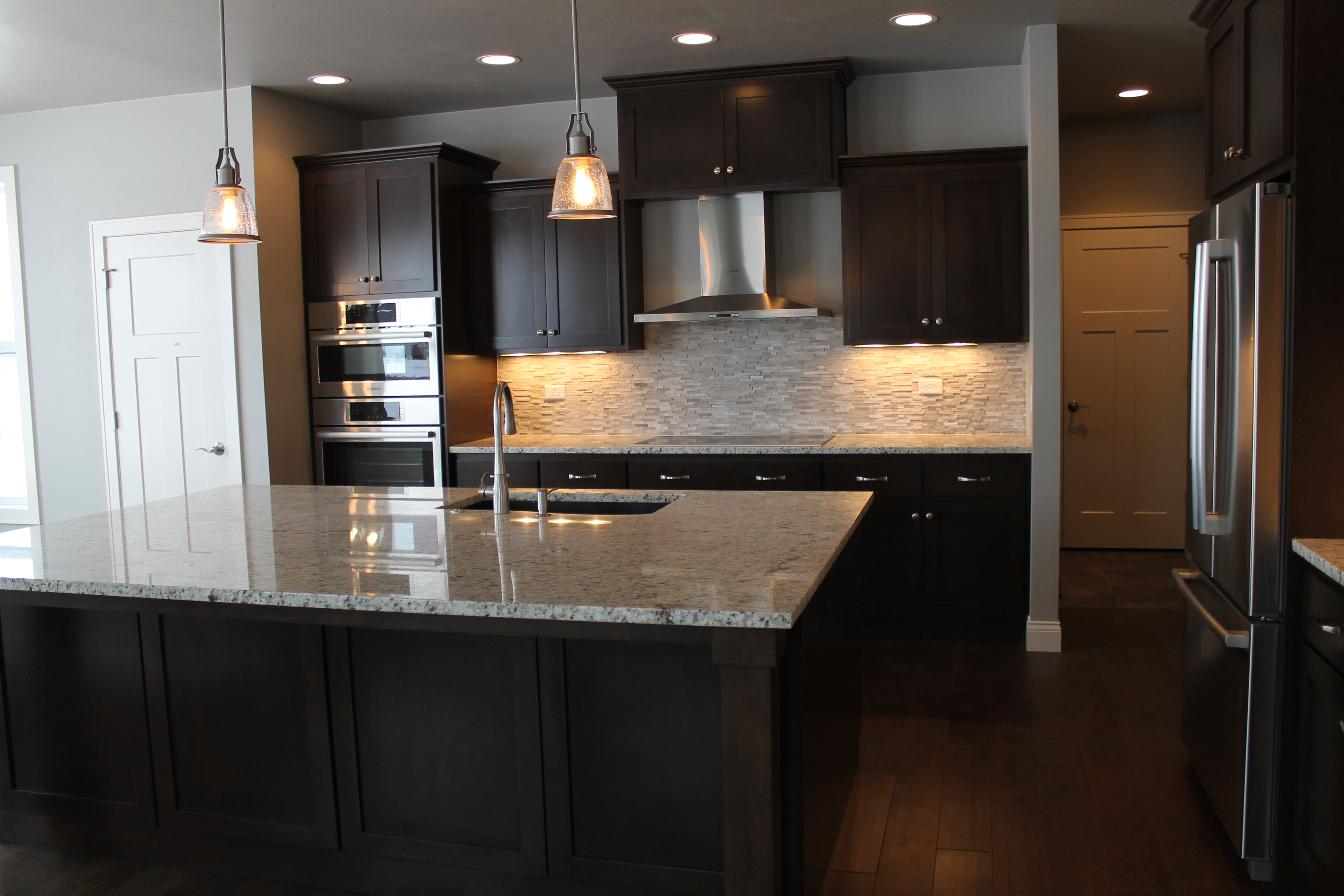 How To Choose Crown Molding For Cabinetry