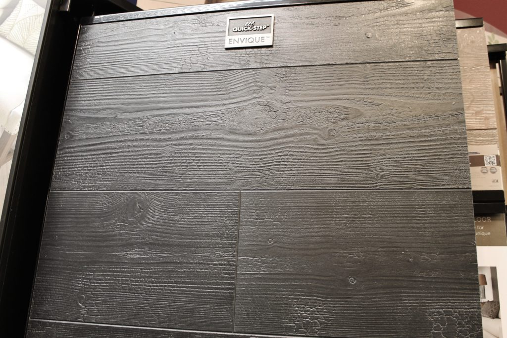 laminate in black with rough texture