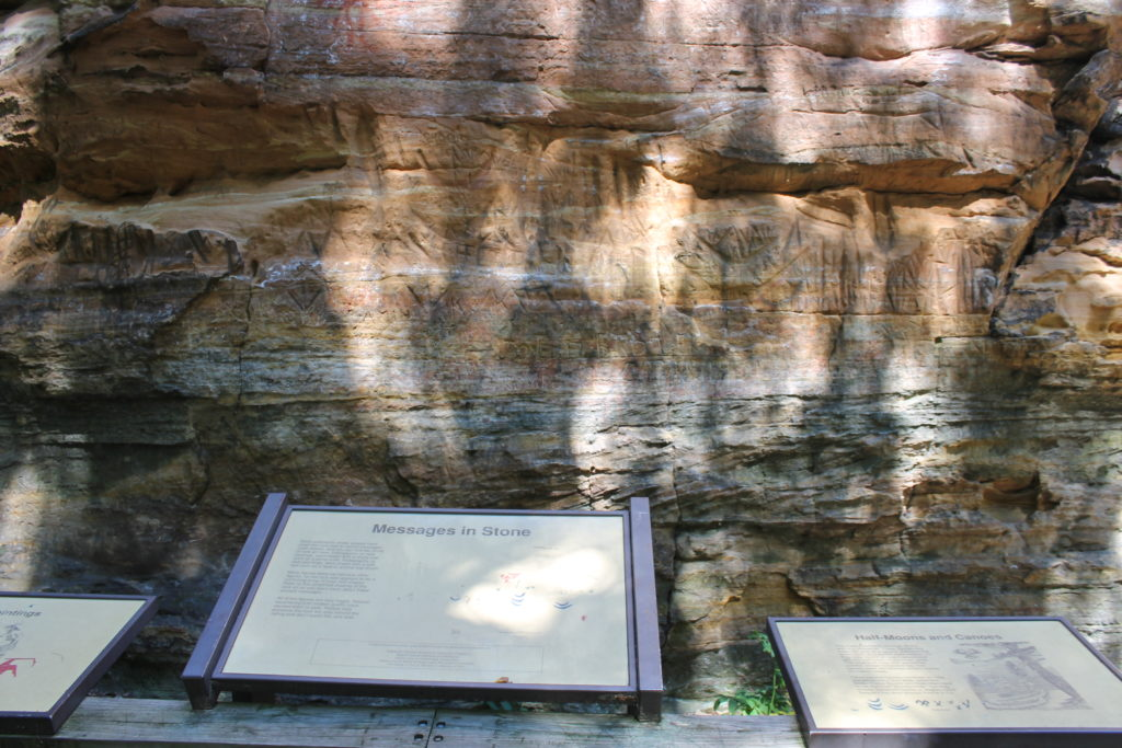 messages-at-roche-a-cri-rock-formation-adams-co-wi