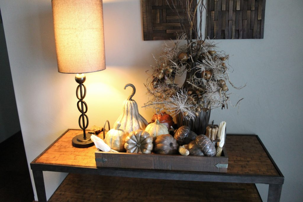 foyer-table-with-pumpkins-and-fall-decor
