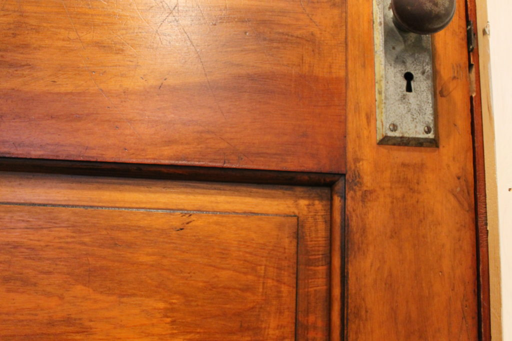 laundry-room-door-with-gel-stain-after-2