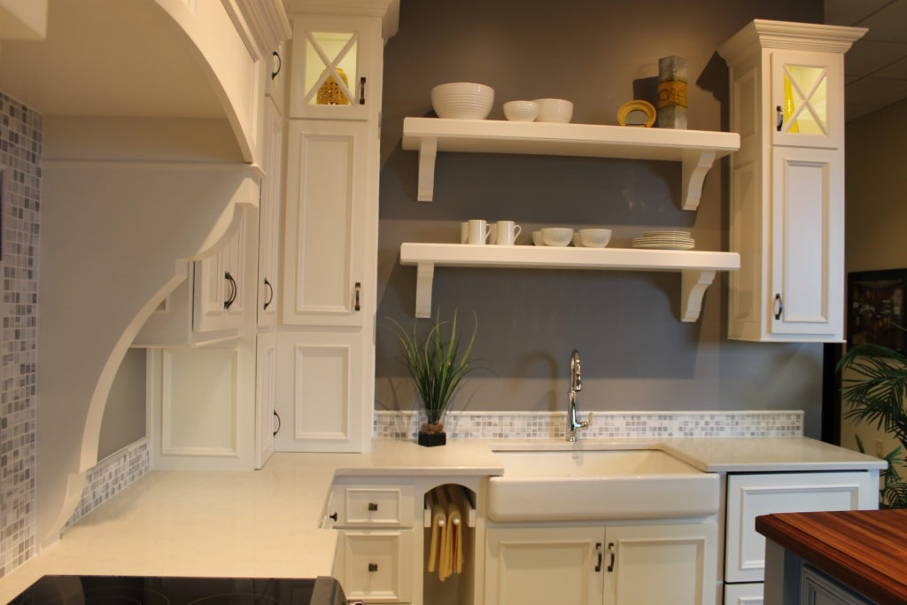 open-shelving-over-apron-front-farmhouse-sink