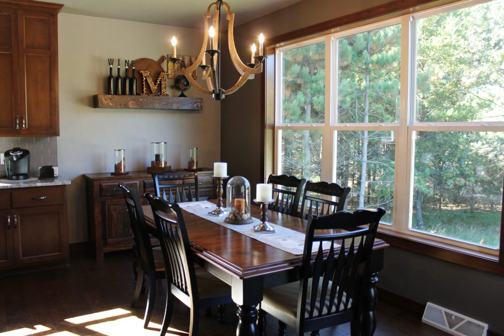 the-dining-room-at-millers-with-autumn-decor