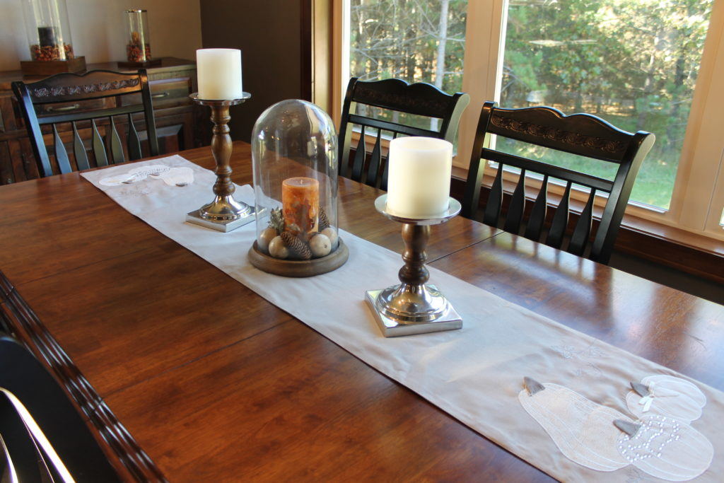 the-dining-table-with-fall-runner