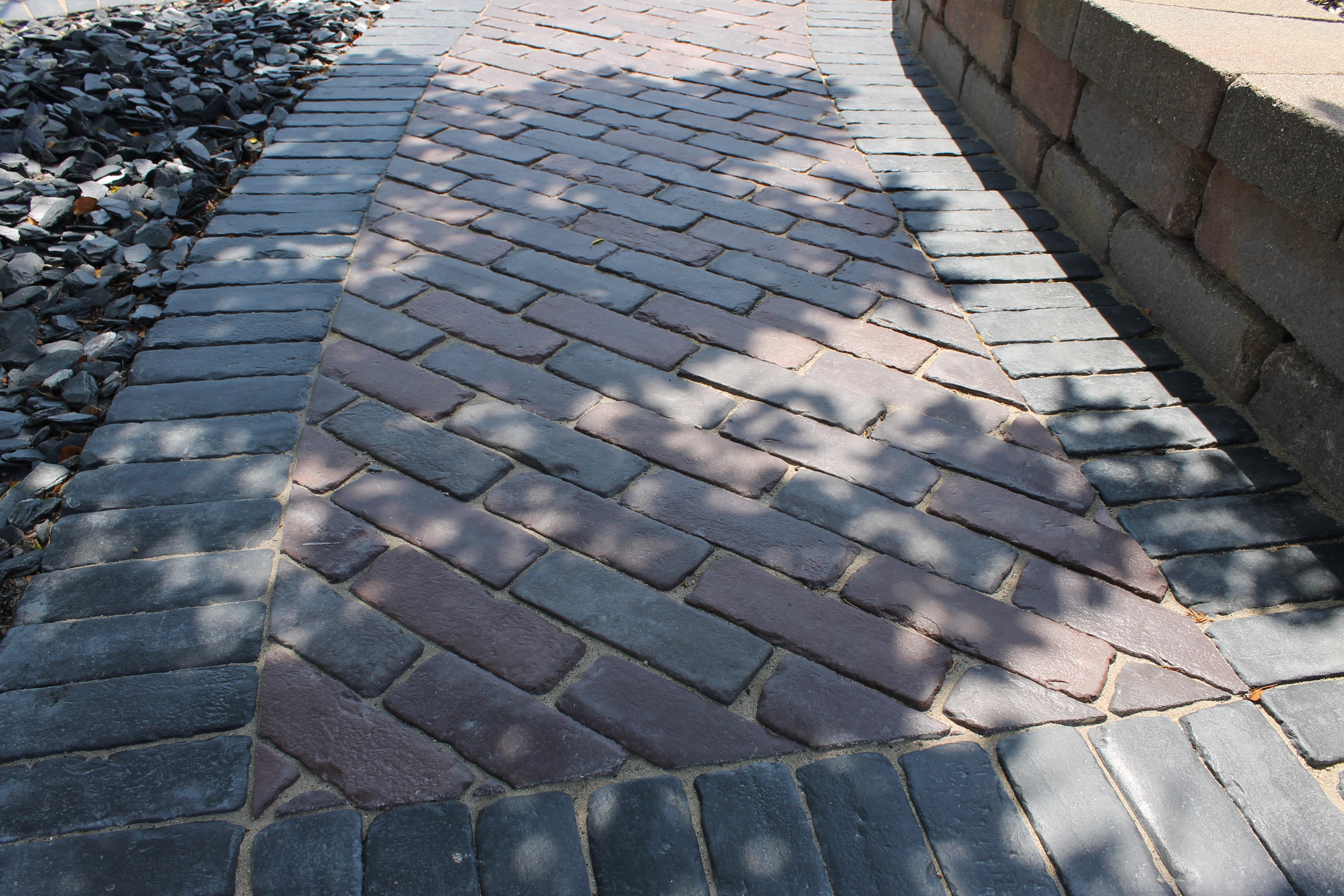 Three Landscape Trends Going Strong At Darboy Stone And